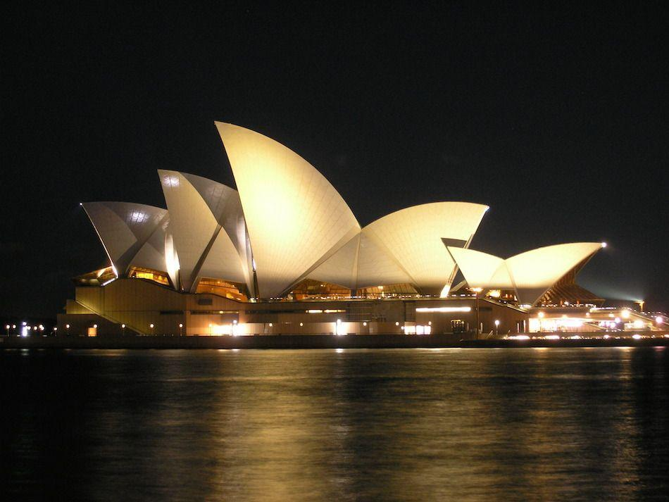 Teen charged over Sydney Opera House scare