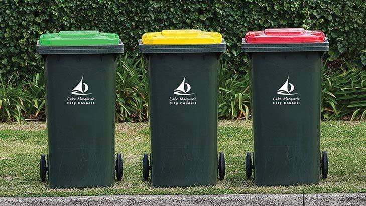 Minister Launches New Recycling Label : Recycling Guide Removes Confusion