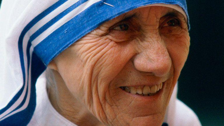 'Mother Teresa to be made saint' in Sept