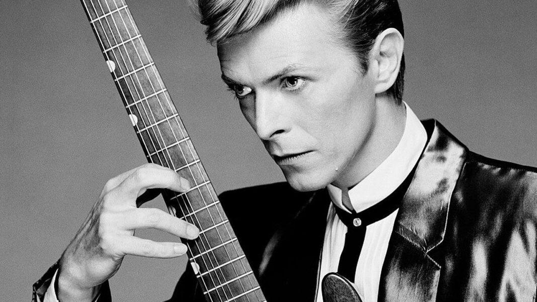 David Bowie mourned by musicians, fans
