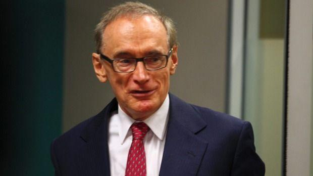 Bob Carr calls for Australian immigration to be cut by one-half