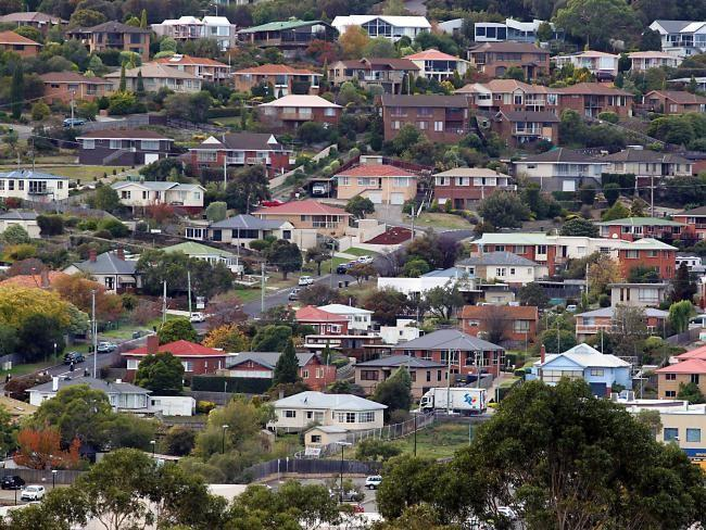 'No end in sight' for Sydney and Melbourne's housing affordability crisis