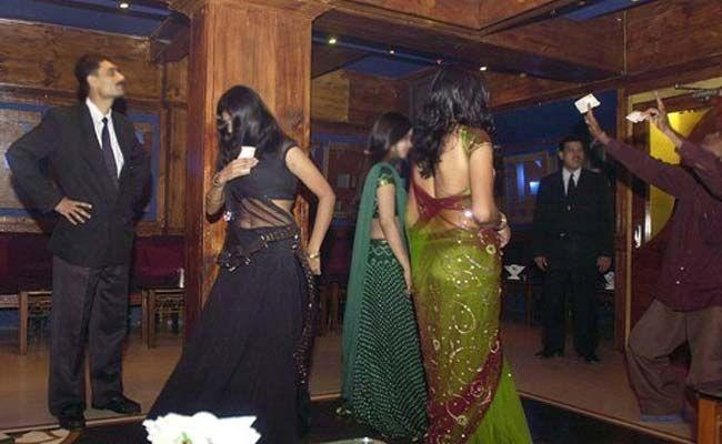 'Better To Dance Than To Beg,' Says Supreme Court On Plea on Dance Bars