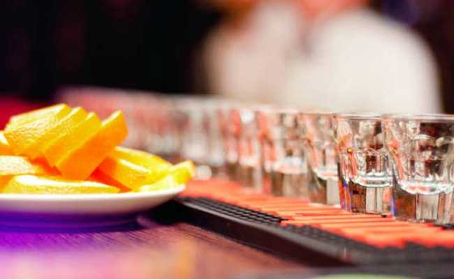High Alcohol Consumption Reduces Female Fertility: Study