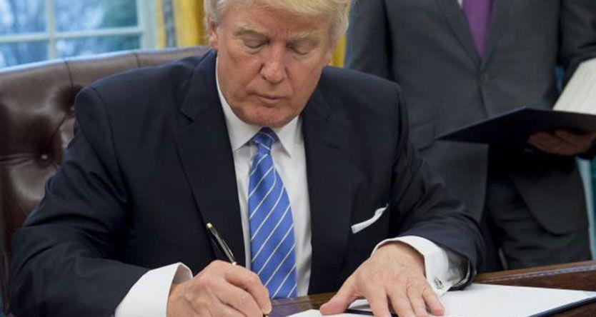 Donald Trump withdraws United States from TPP