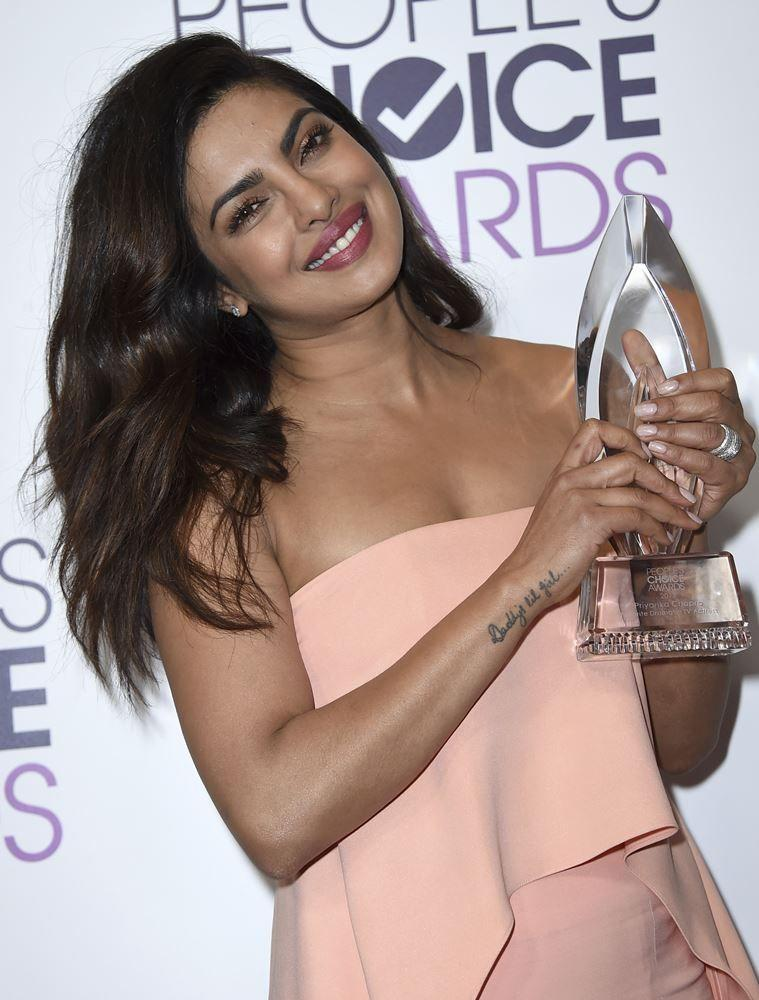 people-choice-2017_priyanka-chopra_001_759_ap