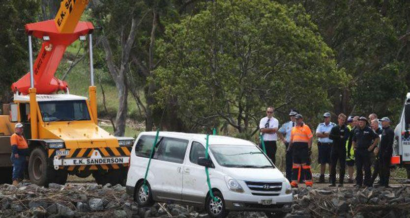Farewell for NSW flood victims Stephanie King and her two children