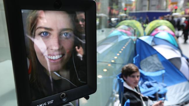 iPhone fan camping outside Sydney's Apple Store for 10 days to purchase new device