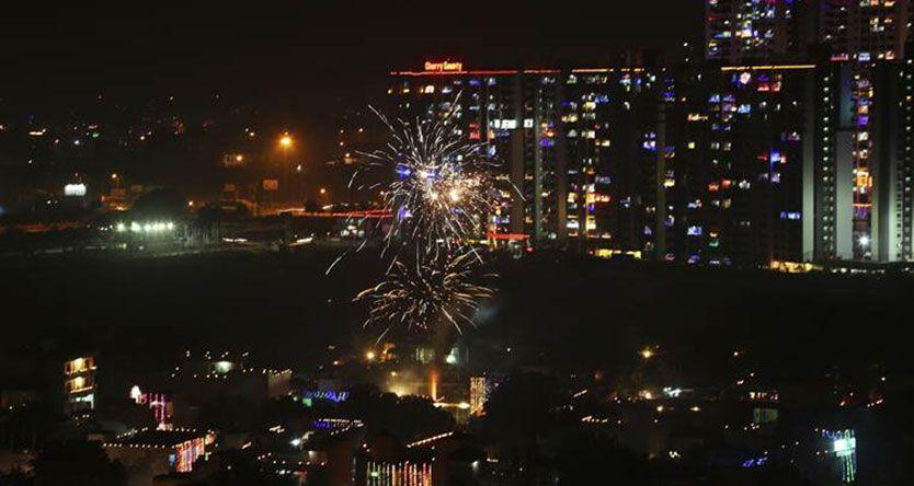 Thick haze, 'very poor' air quality in Delhi-NCR after Diwali celebrations