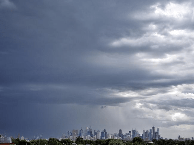 Heatwave: Australia Swelters Before Storm Hits