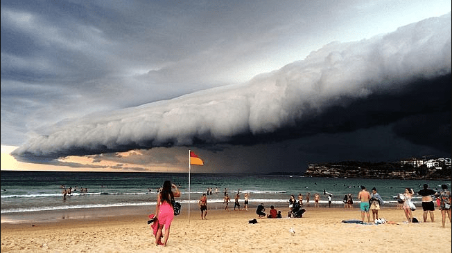 Sydney Beaches Deserted After Violent Storms Bring Pollution
