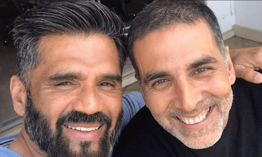 Akki's Selfie With Suniel Shetty Takes Us Back To The Good Old Days