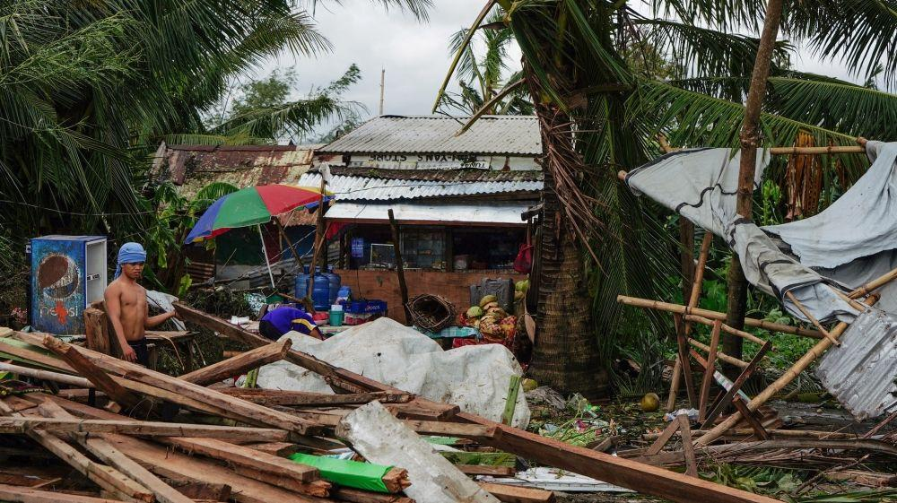 Several dead after Typhoon Phanfone batters central Philippines