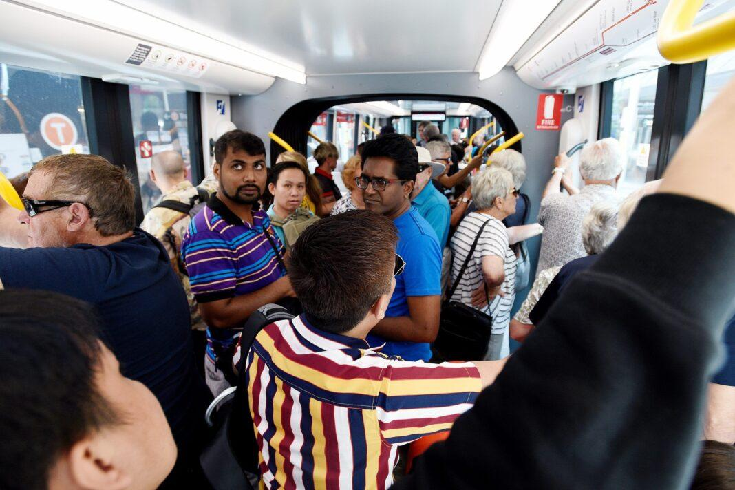 'Quicker to walk': Technical faults plague first day of Sydney's new light rail