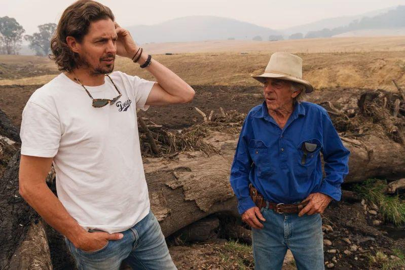 Will-Triggs-and-his-father-Richard-Triggs-They-were-overrun-by-bushfires-on-their-family-property-in-Tooma