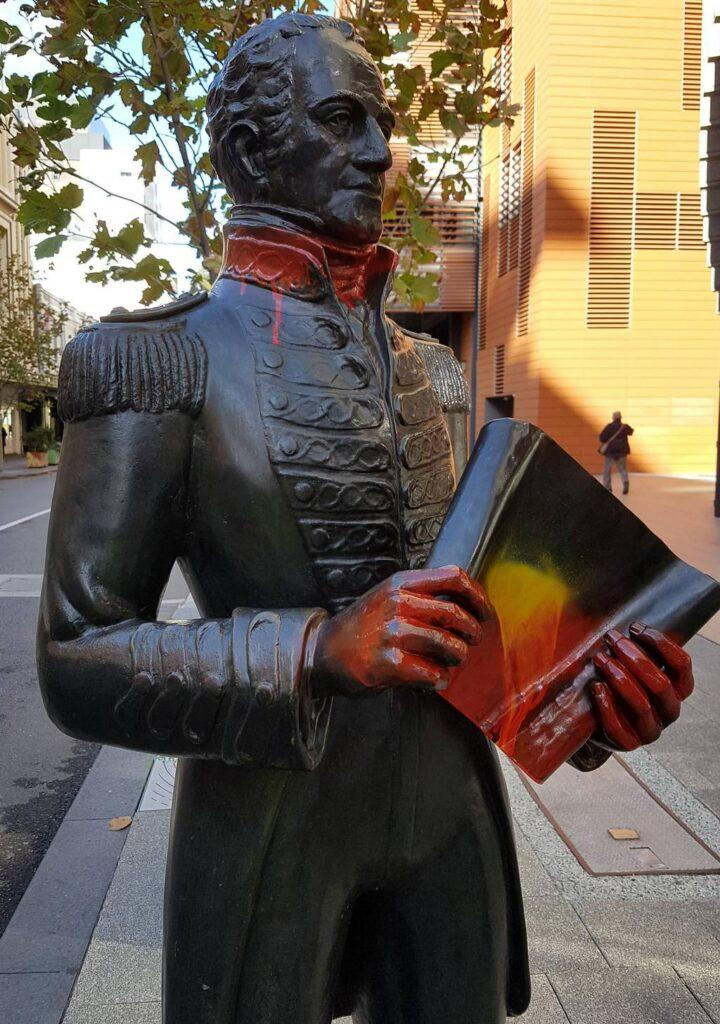 A statue of Captain James Stirling on Perth's Hay Street for more than 40 years has been damaged. One person has been taken into custody