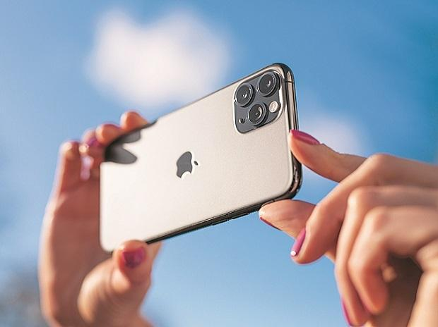 Apple asks suppliers to make 75 million 5G iPhones for later this year
