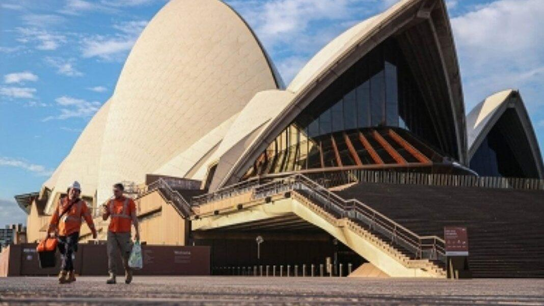 Covid-19 safe Aus states urged to open domestic borders