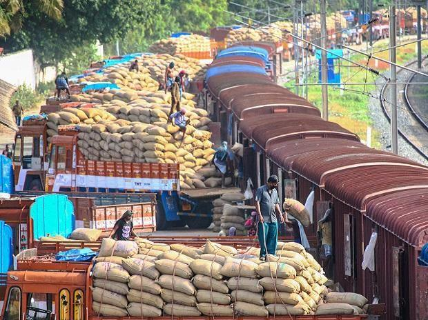 States distributed free grains to 251,000 migrant worlers so far: Govt