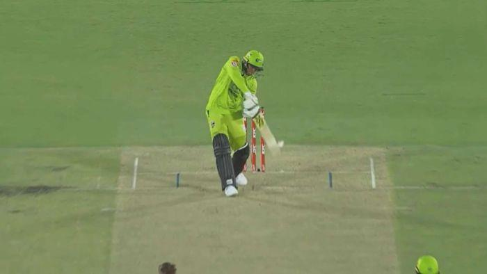 Another Big Bash umpire howler leads to more calls for use of DRS in the BBL