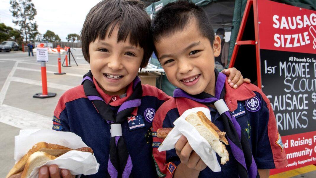 Melbourne rejoices return of the Bunnings snag sizzle