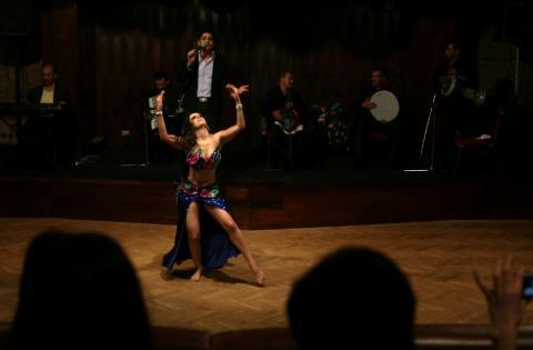Foreigners Shake Up Egypt's Belly Dancing Scene