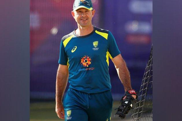 Ponting says Australia can white-wash India