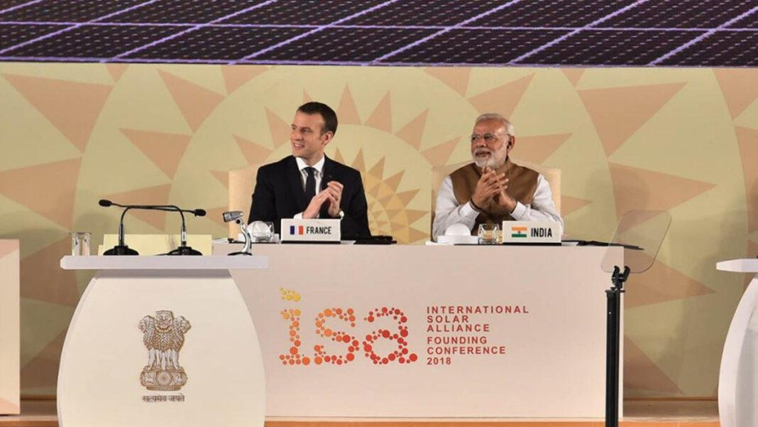 Prime Minister Narendra Modi and French President Emmanuel Macron during the founding conference of the International Solar Alliance on 11 March 2018 | www.mea.gov.in